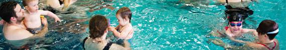 Co zabrać na zajęcia nauki pływania